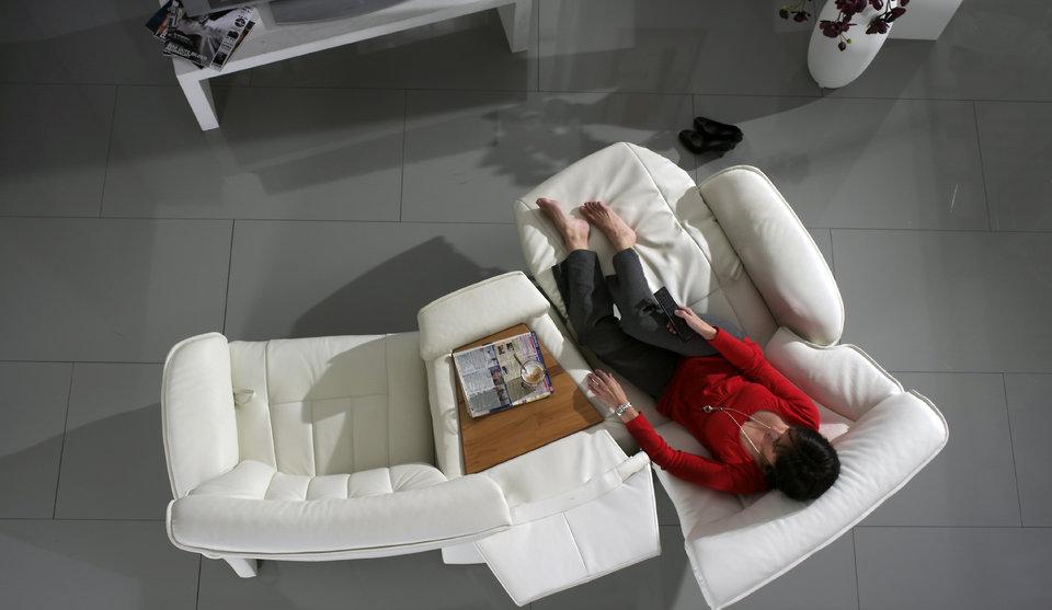 sofá Belvetara blanco de piel
