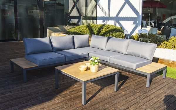 Carla outdoor sofa